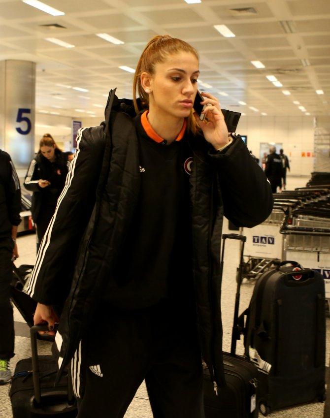 Kadın Basketbol Milli Takımı İstanbul'a döndü