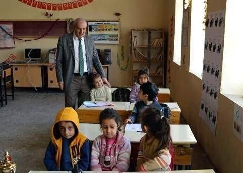 İlçe Milli Eğitim Müdüründen Köy Okullarına Ziyaret