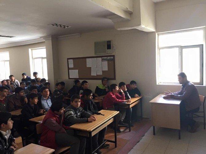 Okul Öğrencilerine Meslek Tanıtımı Yapıldı