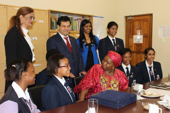 Afrika Birliği Başkanı, Türk okulunu ziyaret etti