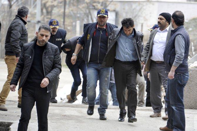 Ankara saldırısıyla ilgili 21 zanlı adliyeye sevk edildi