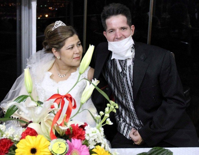 Aydın El Ele Verip Engelli Çifte Yuva Kurdu