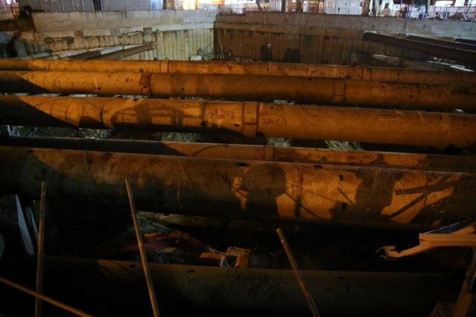 Kontrolden çıkan otomobil yaklaşık 15 metrelik inşaat temeline uçtu