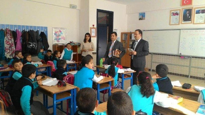 Beyşehir'de Öğrencilerden Kitap Toplama Kampanyası