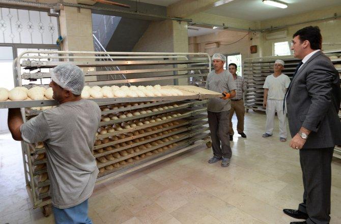 İhtiyaç sahiplerine günlük 8 bin 500 ekmek dağıtılıyor