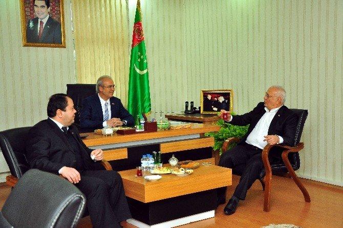 Elitaş, Türkmenistan'daki Türk Müteahhitlerle Gururlandı