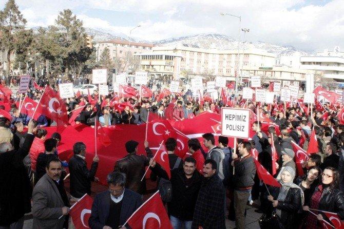 """Erzincan'da """"Teröre Lanet Birliğe Davet"""" Mitingi Düzenlendi"""
