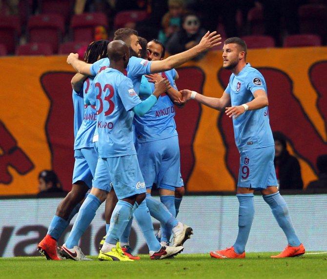 Galatasaray: 0 - Trabzonspor: 1 (İlk yarı)