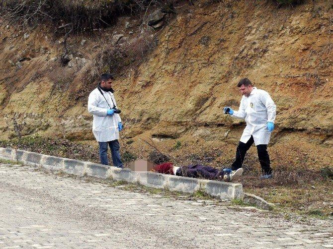 Kastamonu'da Yol Kenarında Erkek Cesedi Bulundu