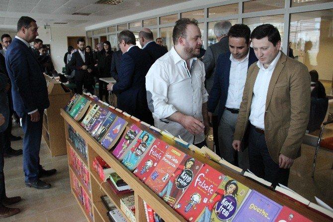 Kütahya Gençlik Merkezi'ne Kitap Kafe