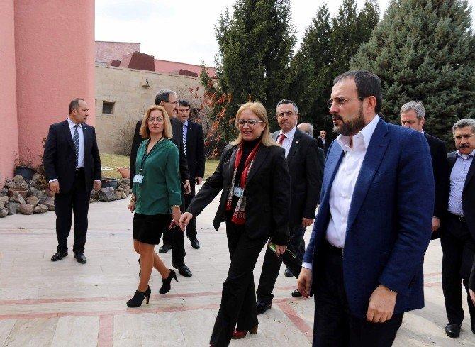 """Bakan Ünal: """"Terör Türkiye'nin Değil Dünyanın Sorunudur"""""""