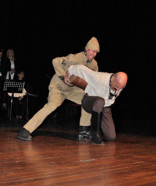 Kent Tiyatrosu 250 Kişilik Dev Kadroyla Çanakkale'yi Anacak