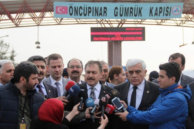 """Eroğlu: """"Türkiye Üç Milyon Suriyeliyi Barındırıyor"""""""