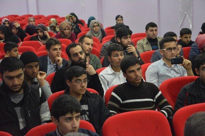 Şanlıurfa'da İHH Gençliğin İnşası Seminerlerinin İkincisini Düzenledi