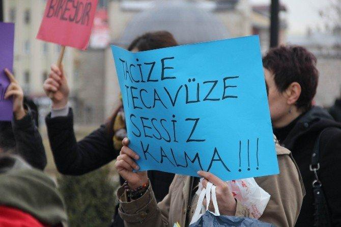 Sivas'ta Kadınlardan 'Pembe Taksi' Uygulamasına Tepki