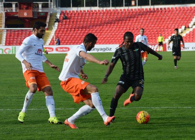 Akhisar Belediyespor: 0 - Medipol Başakşehir: 0
