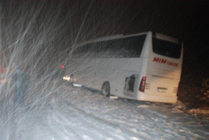 Tokat-sivas Karayolu Kar Yağışı Nedeniyle Ulaşıma Kapandı