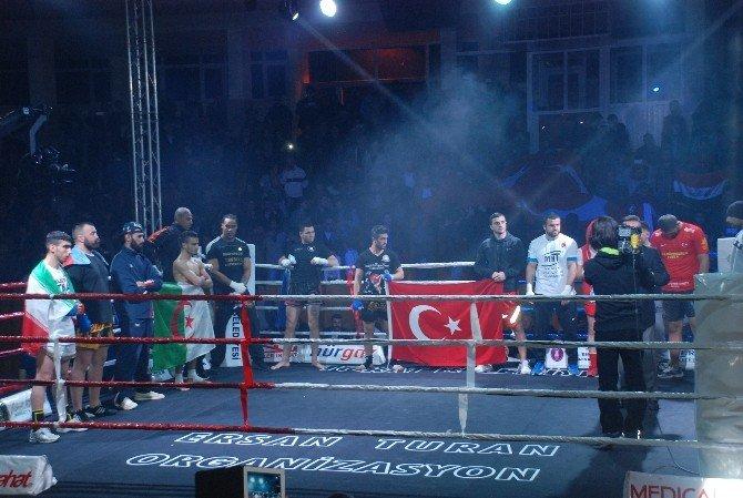 Tokat'ta 7 Türk, 7 Yabancı Kick Boksçu İle Karşılaştı
