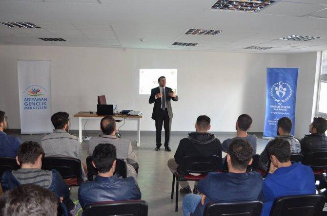 Öğrencilere moral ve motivasyon semineri verildi