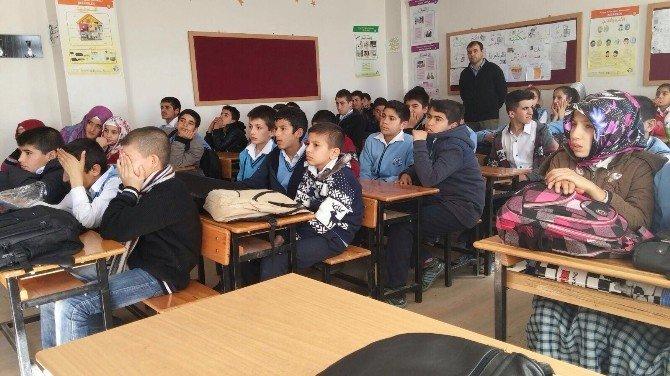 Ortaokul Öğrencilerine Sigaranın Zararları Anlatıldı