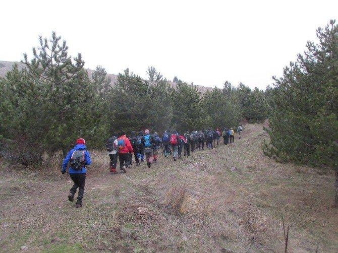 Afdos'lu Doğaseverler Tınaztepe'ye Çıktı
