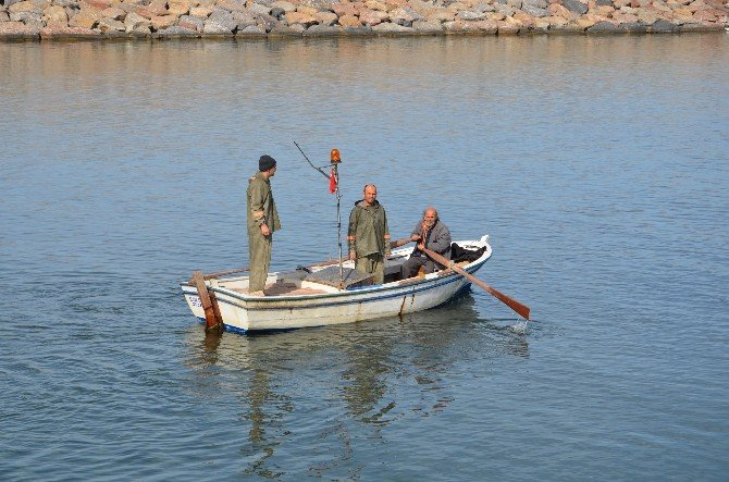 Alaplı'da 100 Tekne Limanda Mahsur Kaldı