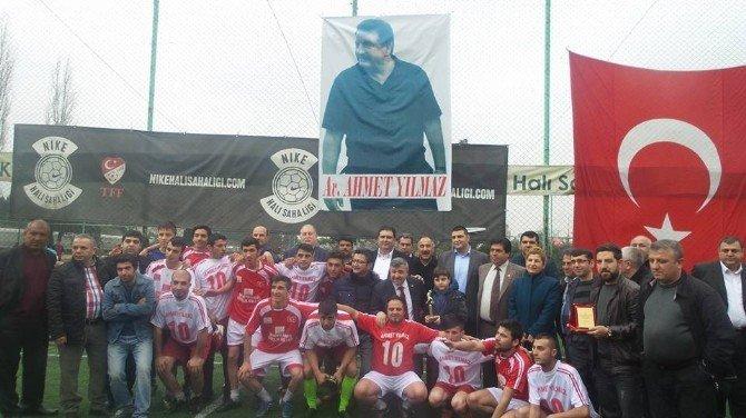 Trafik Kazasında Hayatını Kaybeden Belediye Başkanı Anısına Futbol Turnuvası