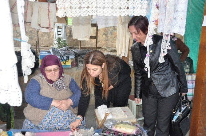 CHP'li Zeynep Altıok Akatlı Ödemiş'te