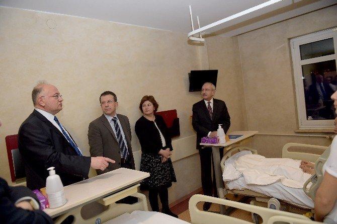 Kılıçdaroğlu, Ankara'daki Patlamada Yaralananları Ziyaret Etti