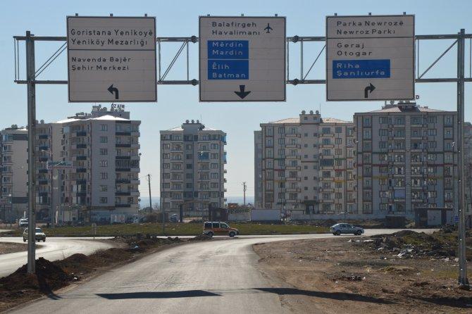Diyarbakır'daki trafik levhaları artık iki dilli