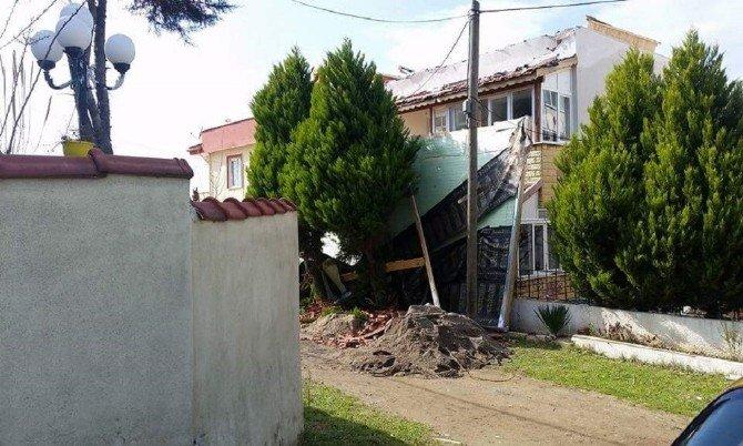 Üstüne Çatı Düştü