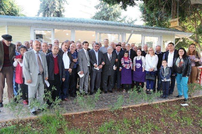 Mersin'in Eski Ve Yeni Belediye Başkanları Meztili'de Buluştu
