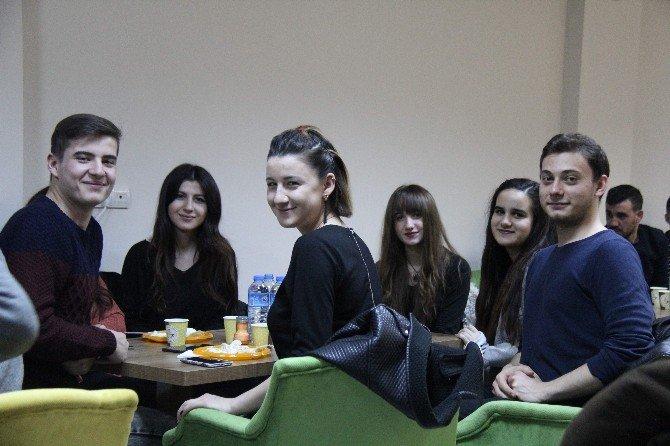 Çerkes Gençleri 'Haluje Gecesi'nde Buluştu