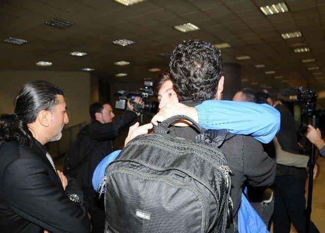 Serbest Bırakılan Gazeteciler İstanbul'a Geldi