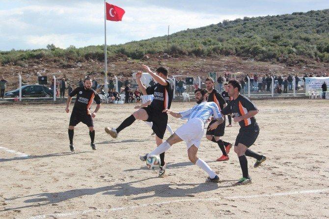 Menderes'te Mahalleler Arası Futbol Turnuvası