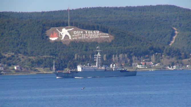 Rus savaş gemisi 'Priazovye' Çanakkale Boğazı'ndan geçti