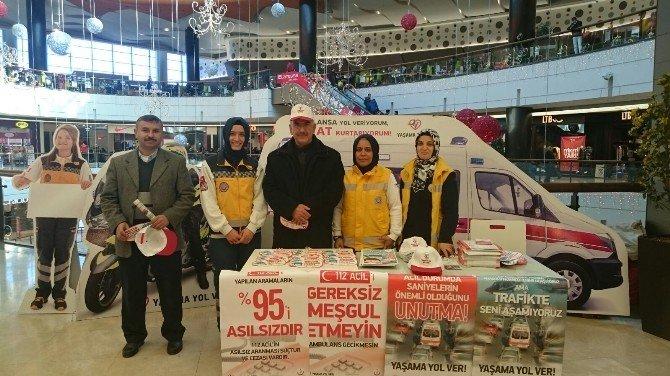Gaziantep'te 'Yaşama Yol Ver' Standı Açıldı