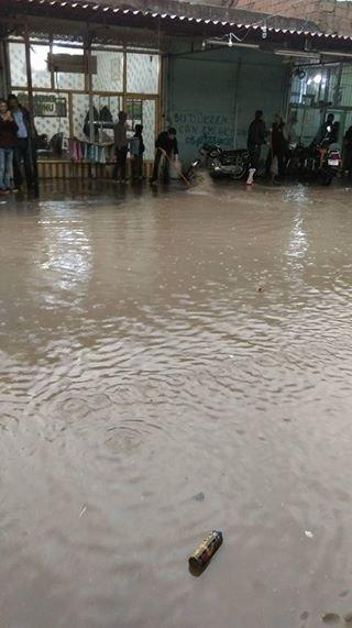 Viranşehir'de Sağanak Yağış Sele Neden Oldu