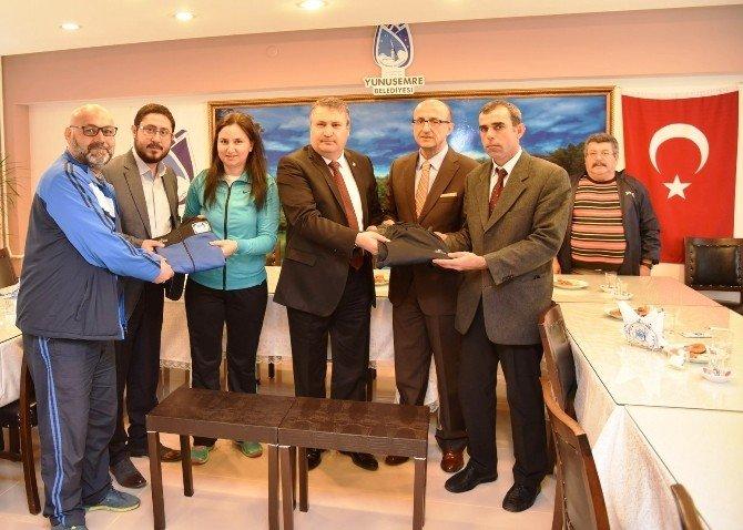 Yunusemre Belediyesi'nden Amatör Spor Kulüplerine Destek