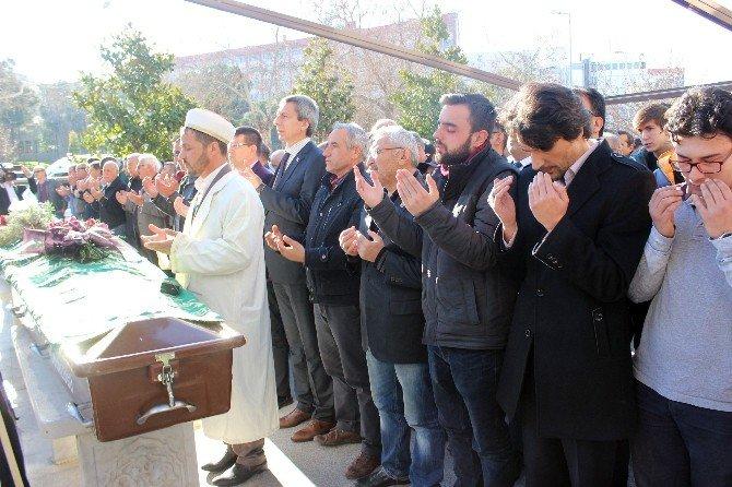 Aydın'daki Kazada Ölen Genç Toprağa Verildi