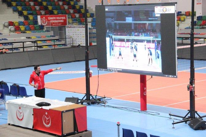Voleybol Federasyonu semineri Bursa'da yapıldı