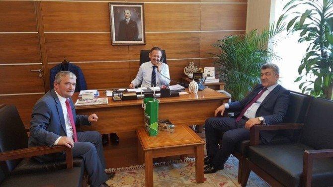 Başkan Yiğit, Mehmet Özhaseki'yi Ziyaret Etti