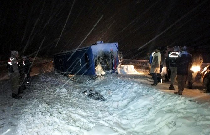 Yozgat'ta Cezaevi Nakil Aracı Devrildi 1 Astsubay Şehit Oldu