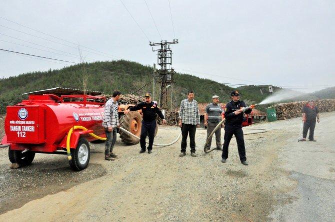 Kırsal mahallere yangın söndürme tankeri dağıtımı sürüyor