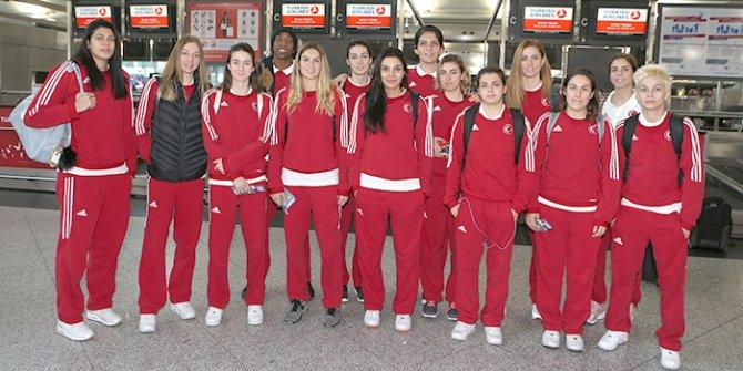 Basketbol A Milli Kadın Takımı İsrail'e uçtu