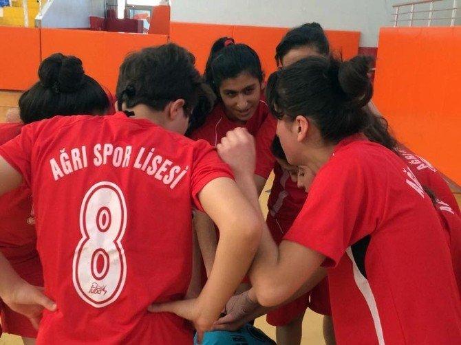 Ağrı Spor Lisesi Kız Futsal Takımı Türkiye Finallerinde