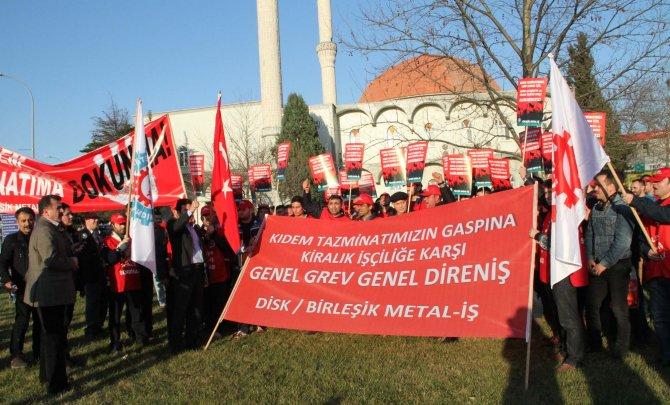 İşçilerden kiralık işçi ve kıdem tazminatı konusunda eylem