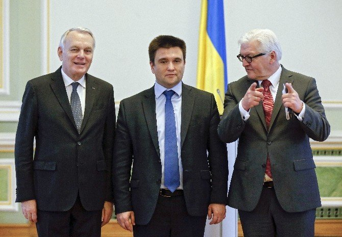 """Steınmeıer: """"Avrupa, Ukrayna'daki Fırtınaya Benzeyen Siyasi Durum Karşısında Endişeli"""""""