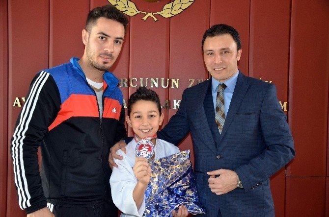 Aydınlı Yunus'tan Karatede Türkiye Derecesi