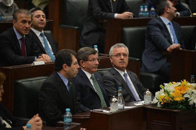 Başbakan Davutoğlu, HDP'li Tuba Tezer'i Sert Dille Eleştirdi
